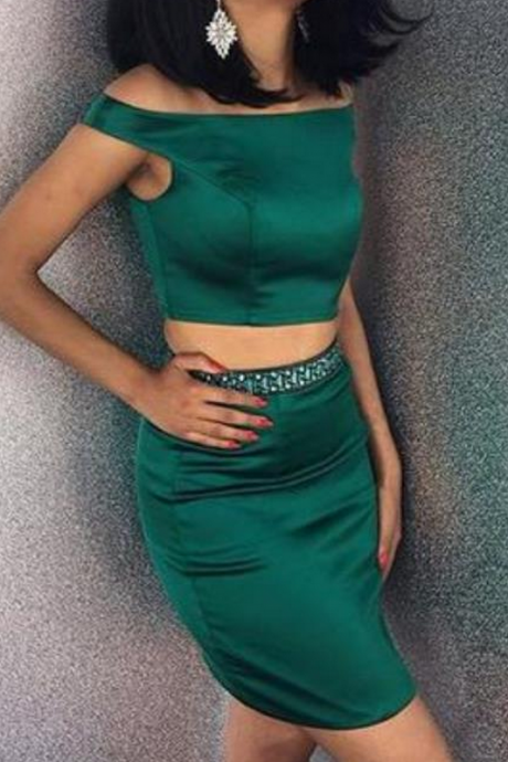 Green Satin Two Pieces Short Homecoming Dresses Mini Prom Dresses Off Shoulder Party Graduation Dresses with Beads for Teens Girls
