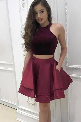 New Simple Two Piece Burgundy Short Homecoming Dresses Halter Neck Cap Sleeves Pleats A-line Satin Graduation Sexy Cocktail Party Gowns