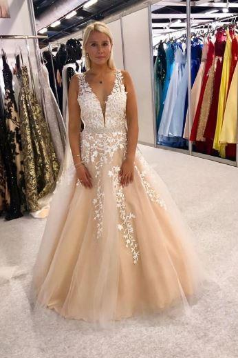 Sleeveless V-neck Long Appliques Tulle Prom Dress,BW93411